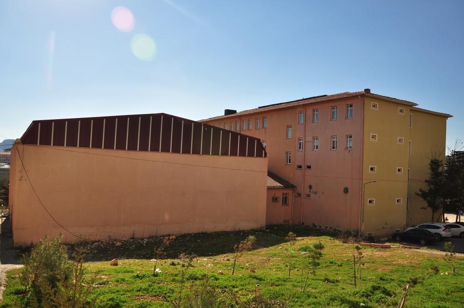 Spor Salonu ve Okul Binamız